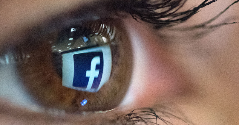 Image for Facebook App Secretly Accessing iPhone Users' Cameras