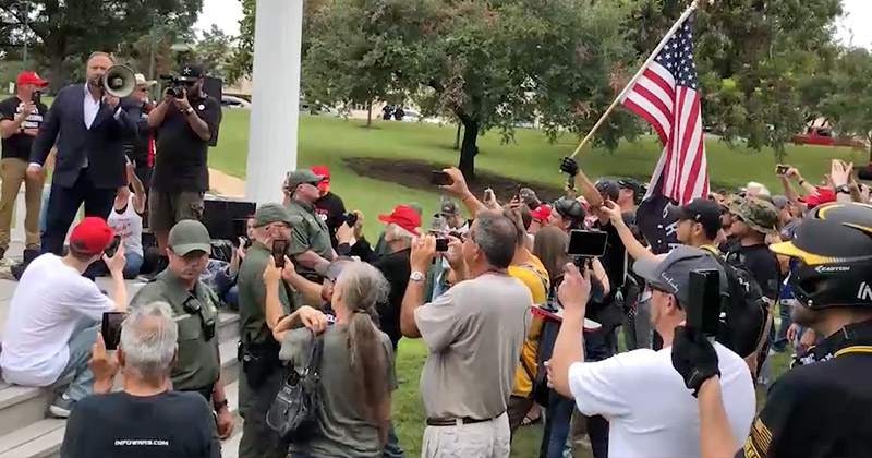 Image for Free Alex Jones Rally Gains International Attention