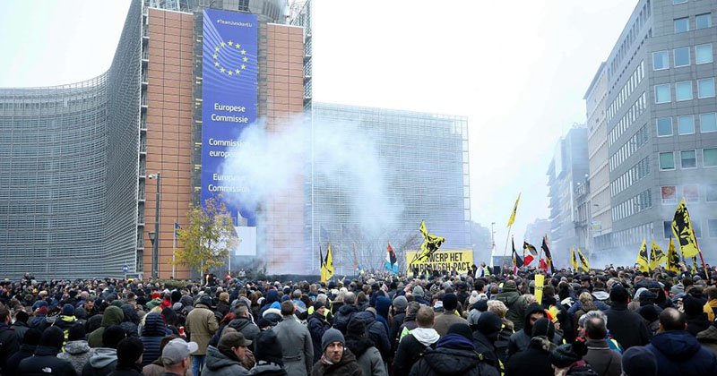 Image for Thousands Rally Against UN Migration Pact Outside EU Headquarters