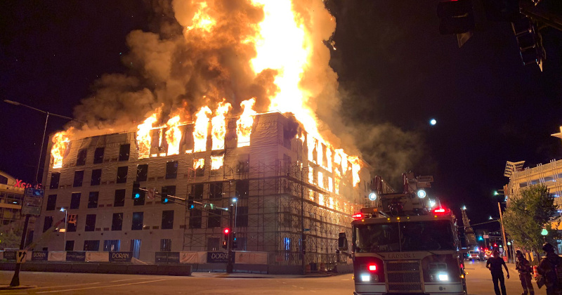 Image for Massive Fire Engulfs Apartment Complex in Minnesota Capital