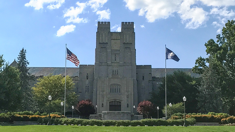 Image for Report: Virginia Tech Instructor Apologises In Syllabus For Being White
